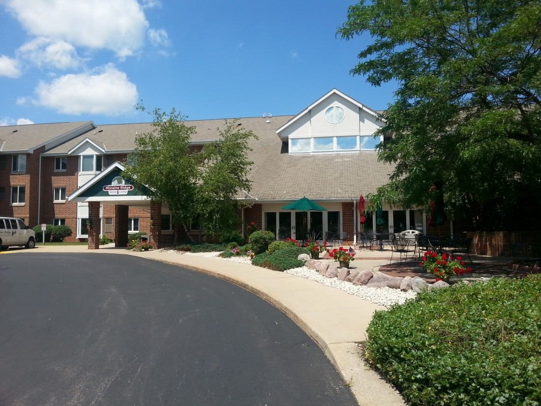 Moraine Ridge: Green Bay, WI | Inspired Senior Healthcare - Moraine_Ridge_Entrance